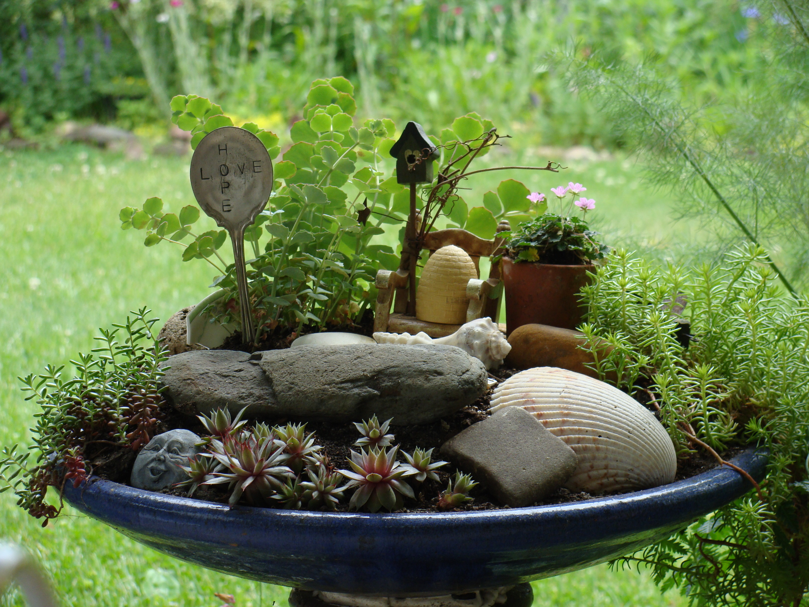 Gardens ideas bath decor birdbaths mothers earth minis Small garden fairies
