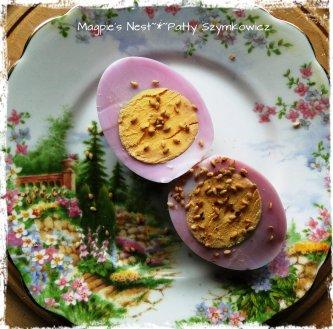 Beet Dye Egg Ready to Eat (2)