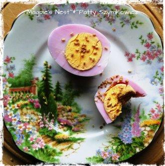 Beet Dye Egg Ready to Eat (3)