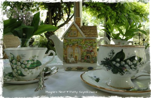 Lona's Teacups (1)