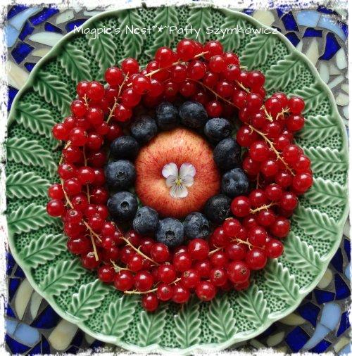 Red Currant Blueberry Apple Mandala (2)