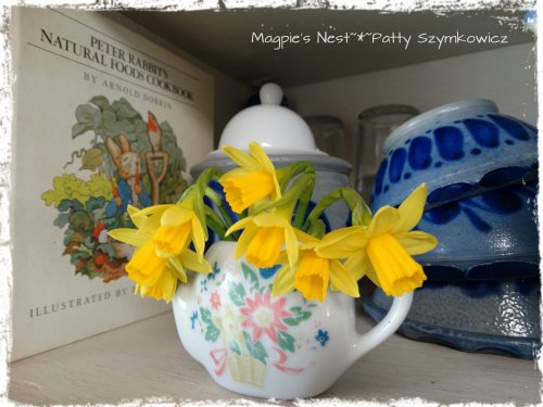 Peter Rabbit Jack be Little Daffodils