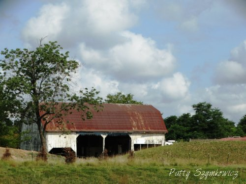 Magpie's Nest Rt 50 barn