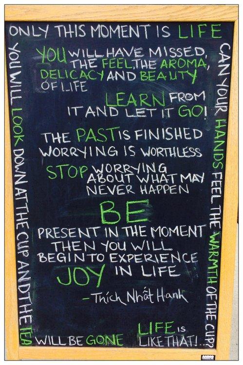 Magpie's Nest Capital Tea chalk board