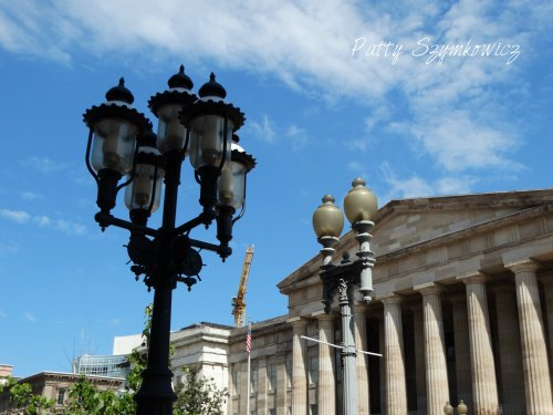 Magpie's Nest National Portrait Gallery Lamppost
