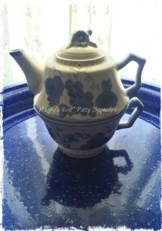 Magpie's Nest tea pot and cup