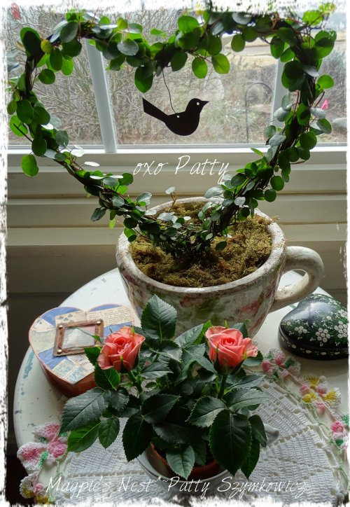 Magpie's Nest Patty Szymkowicz Angel vine heart with roses