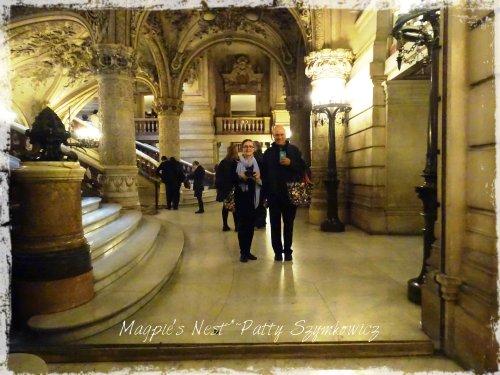 Magpie's Nest Patty Jim Opera Mirror Selfie