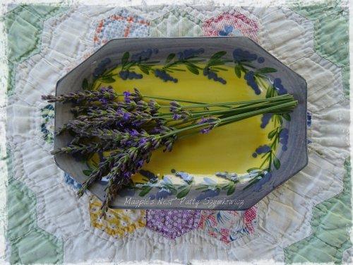 Magpie's Nest Atelier de Sage hand painted dish
