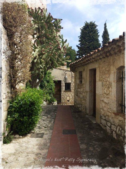 Magpie's Nest Eze street 4