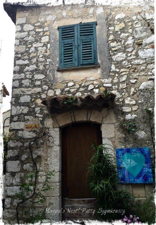 Magpie's Nest Eze street 5 heart