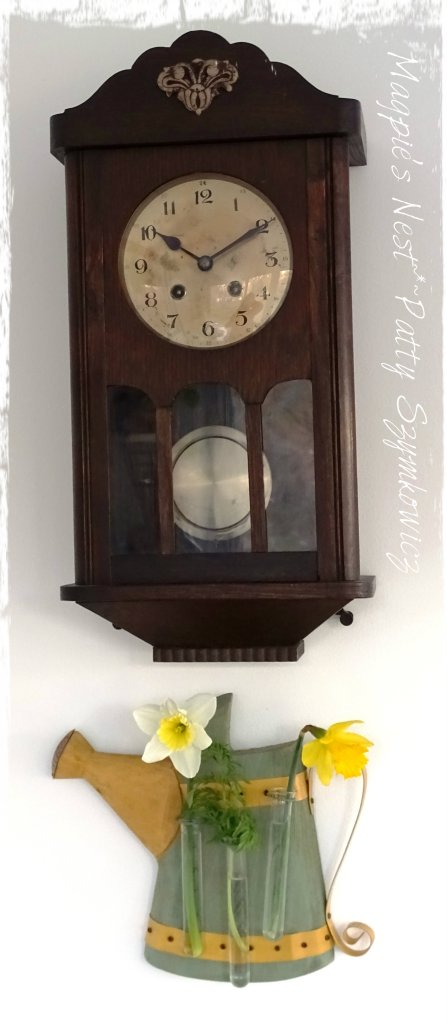 magpies-nest-patty-szymkowicz-omis-clock